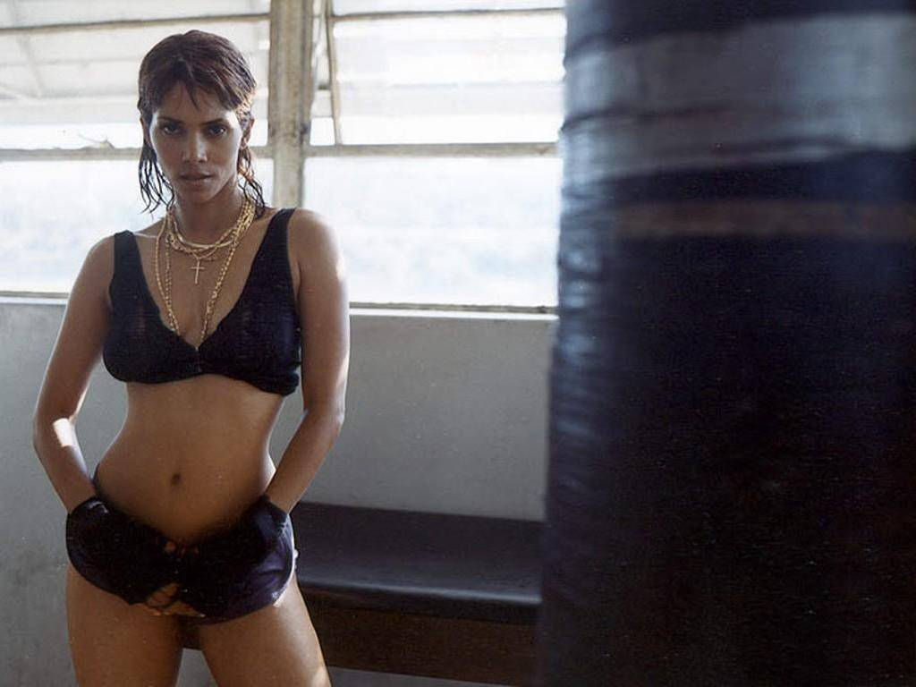 Halle Berry Boxing Images & Pictures - Becuo